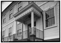 DETAIL OF ENTRANCE PORCH AT FRONT (EAST) OF BUILDING. - Kent County Courthouse, Main Street (Post Road), East Greenwich, Kent County, RI