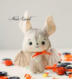 This PDF hand sewing pattern will give you instructions and patterns to make the baby bats pictured. Size: 5 approximately. Language: English THIS IS NOT A FINISHED DOLLS. THIS PDF e-Pattern includes: . Step by step photo tutorial. . A material and supply list. . Full size pattern pieces