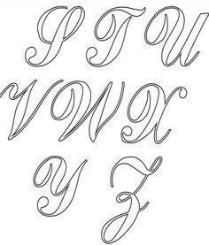Imprima aqui todo o alfabeto cursivo. Veja como fazer os seus moldes de alfabeto cursivo, imprimir e melhorar as aulas de caligrafia com seus alunos. Tattoo Fonts Alphabet, Hand Lettering Alphabet, Alphabet Stencils, Script Lettering, Calligraphy Alphabet, Tattoo Lettering Design, Sketch Tattoo Design, Graffiti Lettering, Lettering Tutorial