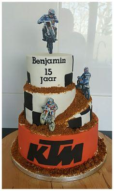 New Birthday Cake For Men Sports Products Ideas Birthday Cakes For Men, New Birthday Cake, Cakes For Boys, 1st Boy Birthday, Motorcross Cake, Bolo Motocross, Motorcycle Cake, Dirt Bike Kuchen, Motos Ktm