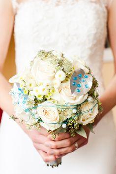 bride bouquet creme white, turquoise ♥ Brautstrauss in creme weiss und türkis, Foto: AufWolke7