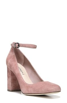 In love with these gorgeous dusty rose ankle strap pumps!! They also come in 4 other colors including back. Must have for fall!!