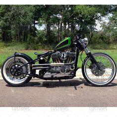 ϟ Hell Kustom ϟ: Harley Davidson Sportster By Voodoo Vintage Sportster Cafe Racer, Inazuma Cafe Racer, Cafe Racer Bikes, Cafe Racers, Sportster 1200, Harley Davidson Posters, Harley Davidson Custom Bike, Harley Davidson Sportster, Bobber Bikes