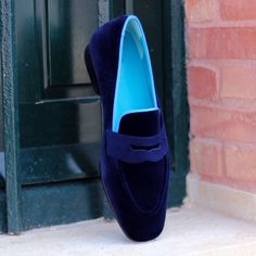 Handcrafted Custom Made Shoes From Robert August. Create your own custom designed shoes. Custom Made Shoes, Custom Design Shoes, Velvet Slippers, Mens Slippers, Gentleman Shoes, Best Shoes For Men, Moda Casual, Blue Suede Shoes, African Men Fashion