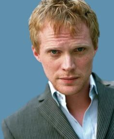 Paul Bettany. An amazing actor. I'm always looking for pictures of him!