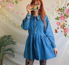 This dress!🍒💕 Vintage denim pinafore button up dress 🌻 with delicate floral embroidery detailing and In theee cutest dolly style 💕 with an oversized collar. Grunge Outfits, Edgy Outfits, Retro Outfits, Vintage Outfits, Cool Outfits, Vintage Fashion, Cute Fashion, 90s Fashion, Fashion Outfits