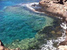 Playa del Castillo en Caleta de Fuste, Fuerteventura Places Ive Been, Places To Go, Canary Islands, Beach Fun, Tenerife, Four Square, Amsterdam, Around The Worlds, Holidays