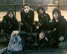 So meh frens dad got to meet Jinx before he was in bvb and we're both like !!!!!! WAT