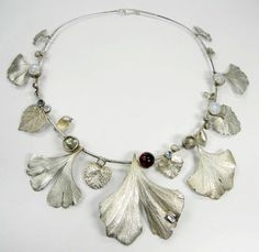 Necklace | Elisabeth J. Gu. Defner (Austria)  ||   love the way her website allows you to view the photos.  A lot of nice pieces...