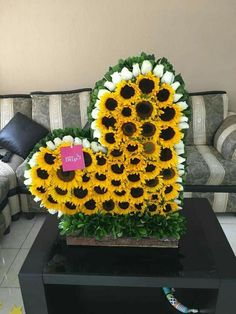 Hottest Pic Funeral Flowers sunflowers Concepts Regardless of whether you will be organizing or even going to, memorials are invariably a sad and sometimes tr. Sunflower Arrangements, Church Flower Arrangements, Floral Arrangements, Luxury Flowers, Love Flowers, Beautiful Flowers, Grave Decorations, Flower Decorations, Sunflower Party