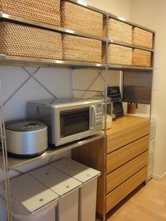 キッチンと背面収納 : 衣食住+