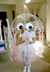 14 Halloween Costumes You Can Make in Under 5 Minutes