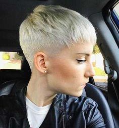 #Farbberatung #Stilberatung #Farbenreich mit www.farben-reich.com blond pixie frisuren