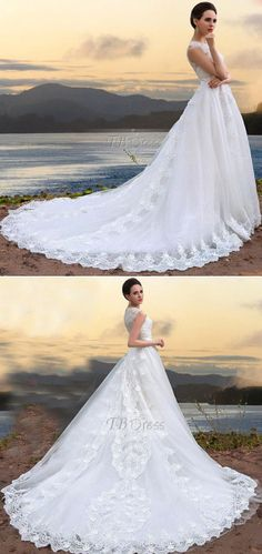 Gorgeous A-line Floor-length Jewel Zipper-up Court Train Appliques/lace Wedding Dress.