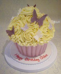 cupcakes pins | Pin Large Cupcake Birthday Cake Kids Cakes Cake on Pinterest