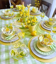Dining Delight: Mother's Day Lemon Themed Tablescape Yellow Dinner Plates, Yellow Bowls, Arreglos Ikebana, Lemon Kitchen Decor, Brunch, Tablescapes, Table Settings, Place Settings, Table Decorations