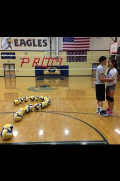 Even though I don't play volleyball this is adorable. I would love if someone did that to me with soccer balls and net!
