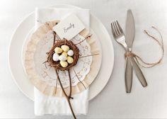 paasontbijt versiering tafel bord eenvoudig