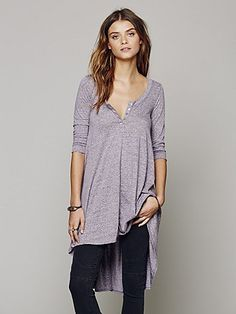 I havet this in blue and LOVE it. Want it in every color.