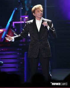 Barry manilow performs during the final date of his one last time barry manilow performs during the final date of his one last time tour on his 72nd birthday at barclays center in his hometown of brooklyn bookmarktalkfo Image collections