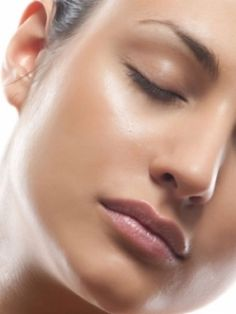Home Remedies To Tighten Skin Pores