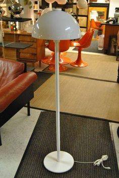 'Valio' floor light (Orno 930-146) designed by Heikki Turunen and Timo Saarnio for Stockmann-Orno.