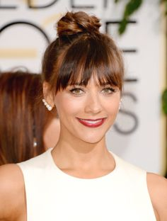 Rashida Jones wears Ana Khouri Yellow Gold Pearl Patricia Earrings // Accessory Report: The Coolest Alternative to Stud Earrings