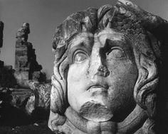 Ara Güler'in GözündeN Aphrodisias yazısının tamamına web sitemizden ulaşabilirsiniz. http://www.tempotur.com.tr/?sayfa=haber_detay&h=213