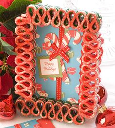 Ribbon Candy Card Frame Old-fashioned ribbon candies are glued together to make a picture frame that accents a greeting card or photo beautifully. Holiday Candy, Handmade Christmas Decorations, Christmas Ornaments To Make, Christmas Candy, Holiday Crafts, Christmas Holidays, Christmas Ideas, Diy Ornaments, Christmas Kitchen