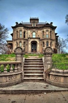Beautiful Abandoned Mansion by barbara.weber.14268