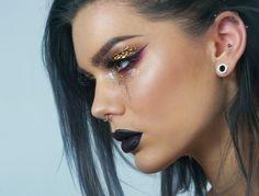 【ρinterest: ⚜ LizSanez✫☽】   //♡ Linda Hallberg Makeup - glitter tears