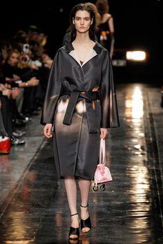 Carven Fall 2013 Ready-to-Wear Fashion Show - Manon Leloup
