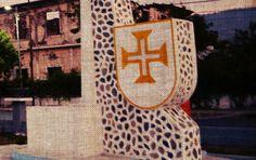 Cruz de Malta na construção: Portugal no cotidiano de Timor-Leste   O nome disso é mundo