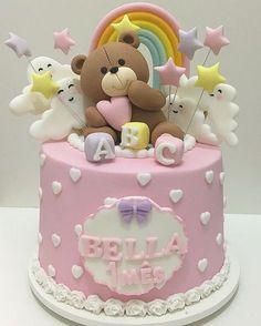 Bolo lindo para o 1º mês da Bella ☁️! #Bolos #BolosDecorados #BoloMesversario #BolosPersonalizados #Cake #InstaCake #FestaEmCasa #LaDocica #LaDocicaDoces
