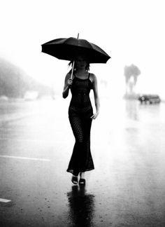 Rain Drops Over Umbrella Wallpapers) – Free Wallpapers Rain Umbrella, Under My Umbrella, Walking In The Rain, Singing In The Rain, Black White, Black N White Images, I Love Rain, Rain Storm, Art Of Love