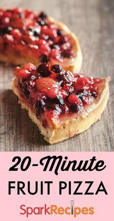 Fruit Pizza--so pretty and easy to make!| via @SparkPeople #dessert #fruit #dessertpizza