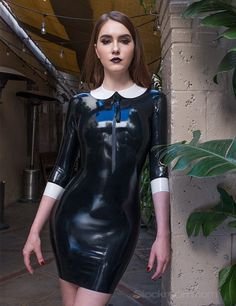 Mistress Heidi Darveaux | Syren Latex | black latex