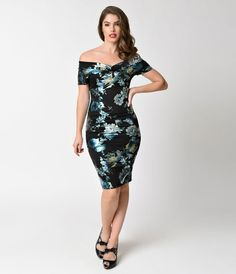 Give your wardrobe some stunning shine, darling! A lustrous vintage inspired wiggle dress in a ravishing black, boasting an off shoulder v-neck portrait collar and flattering short sleeves. Gorgeous blue and teal floral shimmer in a metallic screen print