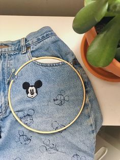 Diy Embroidery Shirt, Embroidery On Clothes, Simple Embroidery, Hand Embroidery Stitches, Embroidery Hoop Art, Hand Embroidery Designs, Cross Stitch Embroidery, Broderie Simple, Mickey Mouse