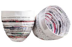 DIY paper bowls out of old magazines Paper Bowls, Collages, Old Magazines, Diy Paper, Art Lessons, Upcycle, Recycling, Diy Crafts, Make It Yourself