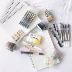 stationery aesthetic notebooks highlighters pens cute kawaii g e o r g i a n a : p e n > s w o r d Muji Stationary, Stationary School, School Stationery, Cute Stationery, Korean Stationery, Projekt Mc2, Muji Notebook, Cool School Supplies, Pretty Notes