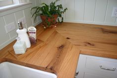 Custom solid wood counter top - face grain Reclaimed Red Oak