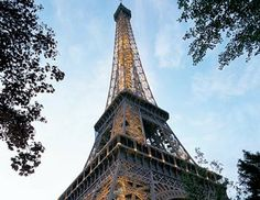 Eiffel Tower at the sunset #paris #visitparis #pariscityvision #eiffeltower #eiffel #france