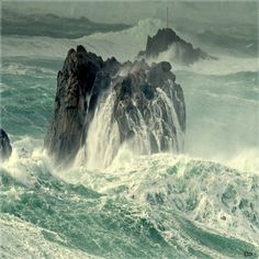 Photo Bretagne..Mer d'IROISE Photo Bretagne, Western Coast, Sea Photo, Photos Voyages, Sea Waves, Drone Photography, Ocean Beach, Belle Photo, Beautiful Places