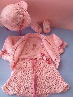 Vestido, gorro y zapatitos para recien nacida, sobre pedido inbox. Crochet Hats, How To Make, Accessories, Fashion, Dresses For Girls, Caps Hats, Knitting Hats, Moda, La Mode