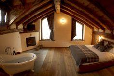 🇮🇹Petit Relais – Chambres d'Hotes & Spa Valle d'Aosta Spa, Corner Bathtub, Bathroom, Switzerland, Bedrooms, Travel, Washroom, Corner Tub, Bathrooms
