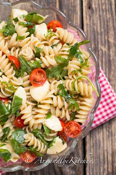 Tomato Bocconcini Pasta | Art and the Kitchen - quick and easy to make pasta, with fresh tomatoes, basil and bocconcini!