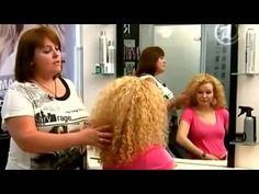 Прически для вьющихся волос