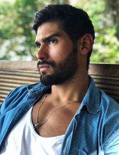 His hair, eyebrows, moustache and beard. Scruffy Men, Hairy Men, Bearded Men, Beard Styles For Men, Hair And Beard Styles, Moustaches, Face Men, Male Face, Beautiful Men Faces