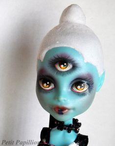CAM Three-Eyed Alien Repaint by Nurlindae.deviantart.com on @DeviantArt